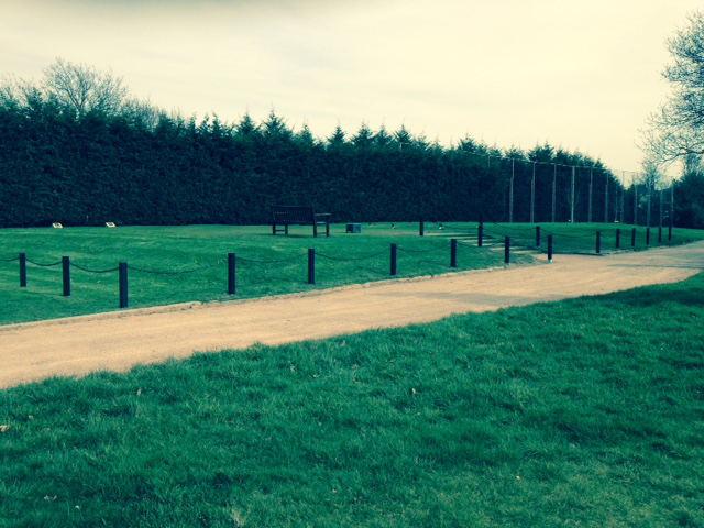 Black Golf Course Removable Post And Chain Fencing